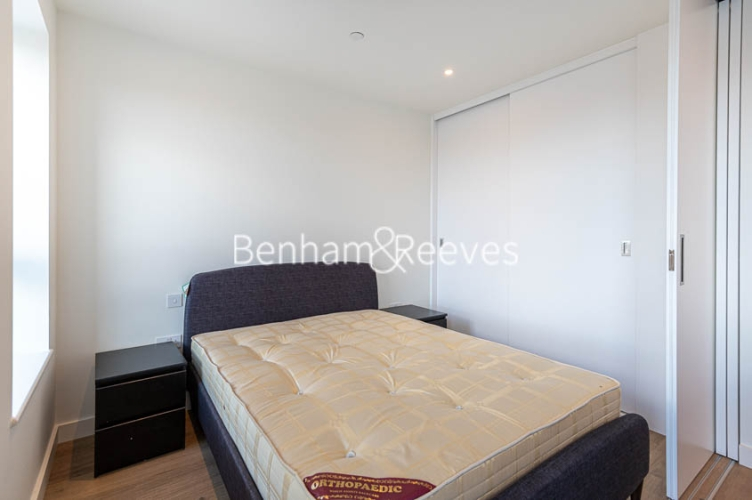 1 bedroom(s) flat to rent in Mary Neuner Road, Highgate,N8-image 3