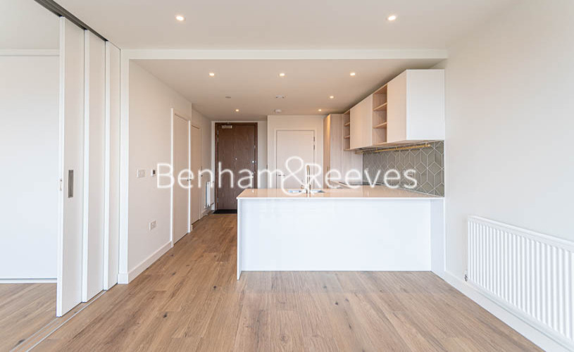 1 bedroom(s) flat to rent in Mary Neuner Road, Highgate,N8-image 11