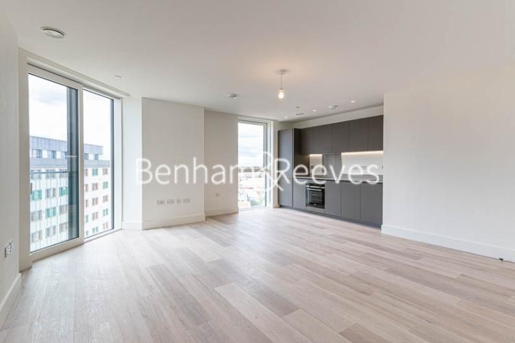 1 bedroom(s) flat to rent in Daneland Walk, Highgate, N17-image 1