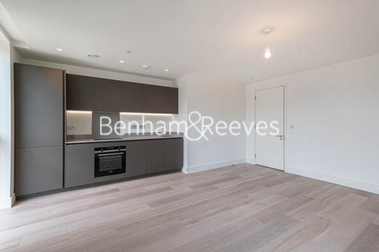 1 bedroom(s) flat to rent in Daneland Walk, Highgate, N17-image 2