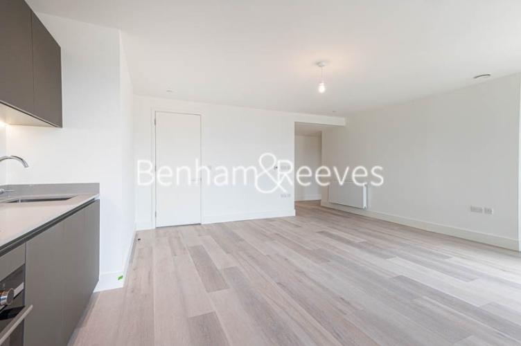 1 bedroom(s) flat to rent in Daneland Walk, Highgate, N17-image 5