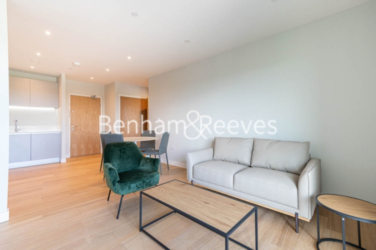1 bedroom(s) flat to rent in Navigation Point, Ferry Lane, N17-image 1
