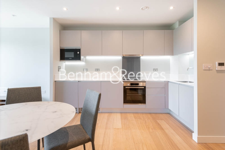 1 bedroom(s) flat to rent in Navigation Point, Ferry Lane, N17-image 2