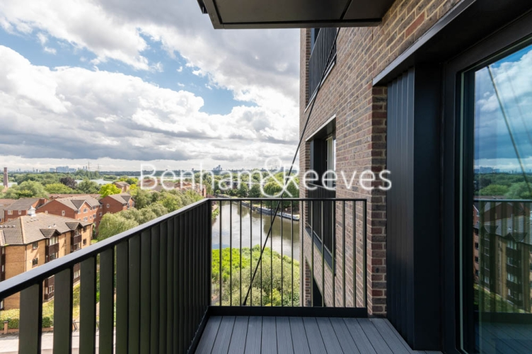 1 bedroom(s) flat to rent in Navigation Point, Ferry Lane, N17-image 5