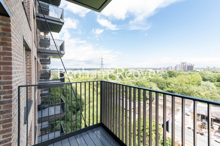 1 bedroom(s) flat to rent in Navigation Point, Ferry Lane, N17-image 9