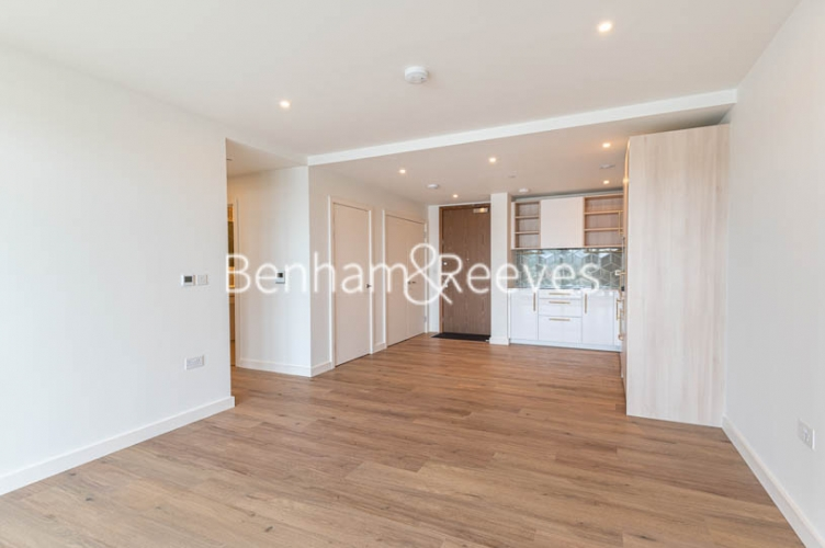 1 bedroom(s) flat to rent in Mary Neuner Road,Highgate,N8-image 1