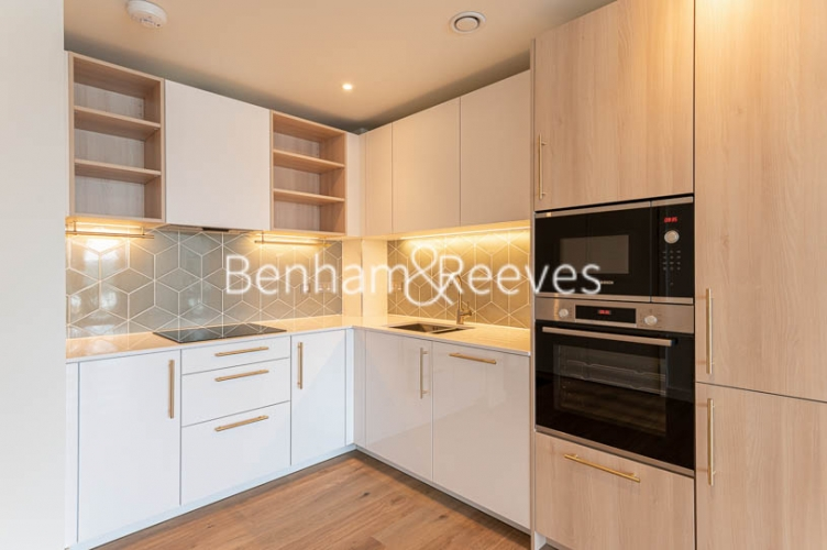 1 bedroom(s) flat to rent in Mary Neuner Road,Highgate,N8-image 2