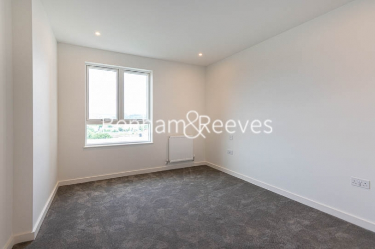 1 bedroom(s) flat to rent in Mary Neuner Road,Highgate,N8-image 3