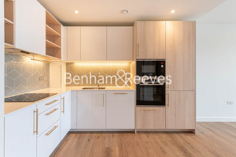 1 bedroom(s) flat to rent in Mary Neuner Road,Highgate,N8-image 6