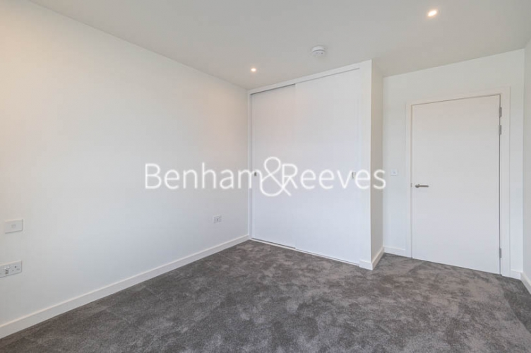1 bedroom(s) flat to rent in Mary Neuner Road,Highgate,N8-image 7