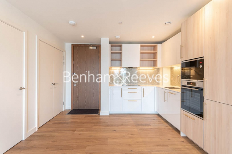 1 bedroom(s) flat to rent in Mary Neuner Road,Highgate,N8-image 9