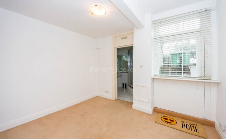 4 bedroom(s) flat to rent in Hampstead Lane, Highgate, N6-image 4