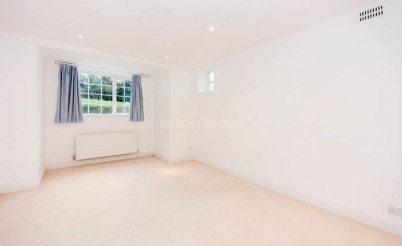 4 bedroom(s) flat to rent in Hampstead Lane, Highgate, N6-image 6
