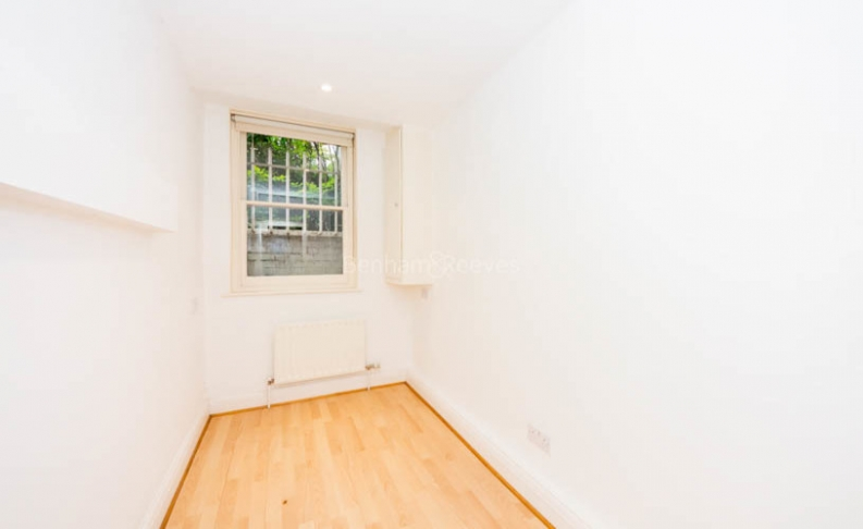 4 bedroom(s) flat to rent in Hampstead Lane, Highgate, N6-image 9
