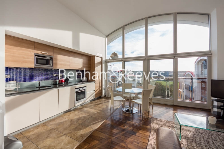 2 bedroom(s) flat to rent in John Harrison Way, North Greenwich, SE10-image 2