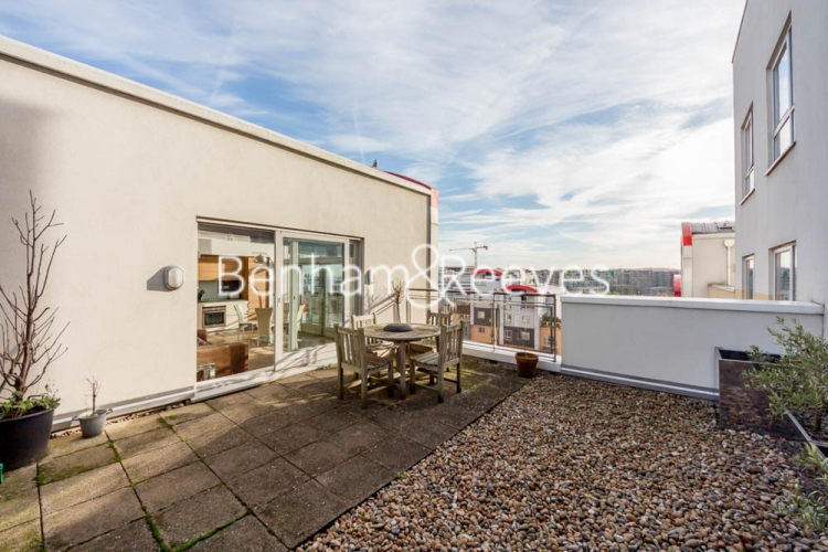2 bedroom(s) flat to rent in John Harrison Way, North Greenwich, SE10-image 6