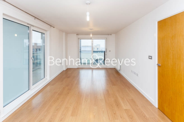 2 bedroom(s) flat to rent in Barge Walk, Woolwich, SE10-image 1