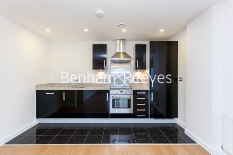 2 bedroom(s) flat to rent in Barge Walk, Woolwich, SE10-image 2