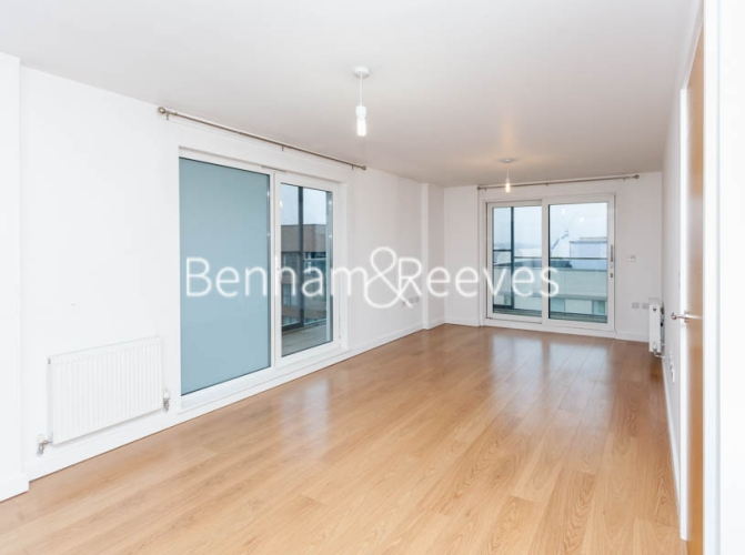 2 bedroom(s) flat to rent in Barge Walk, Woolwich, SE10-image 3