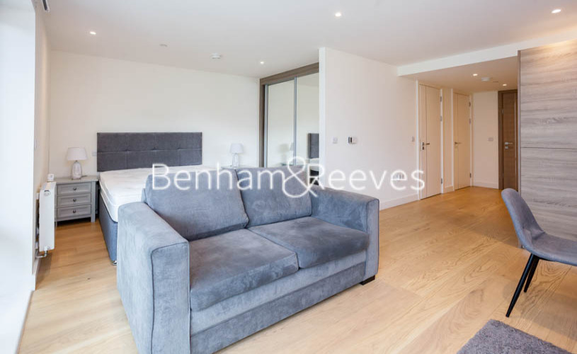1 bedroom(s) flat to rent in Judde House, Woolwich,SE18-image 1