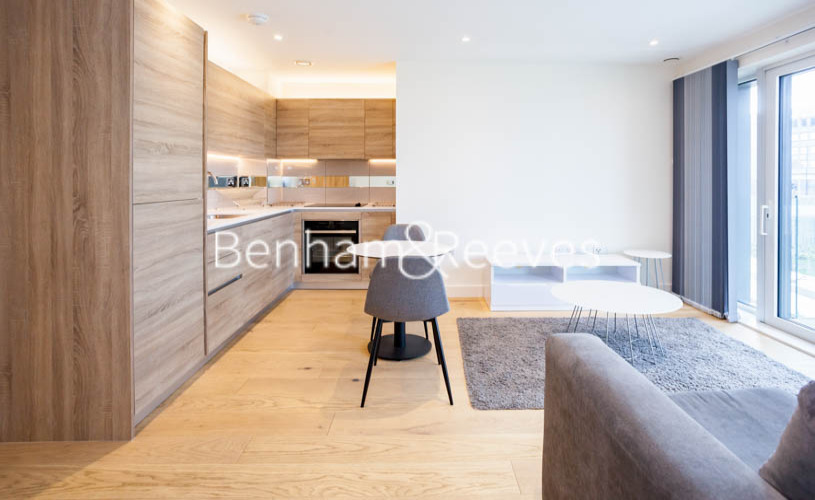 1 bedroom(s) flat to rent in Judde House, Woolwich,SE18-image 2