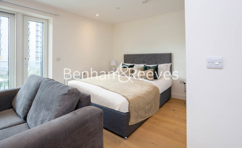 1 bedroom(s) flat to rent in Judde House, Woolwich,SE18-image 3