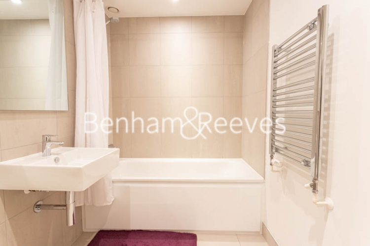 2 bedroom(s) flat to rent in Royal Arsenal Riverside, Woolwich, SE18-image 10