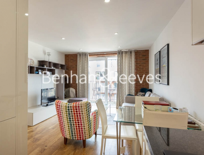 2 bedroom(s) flat to rent in Royal Arsenal Riverside, Woolwich, SE18-image 13