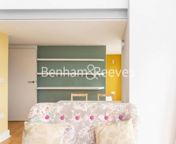 1 bedroom(s) flat to rent in Cadogan Road, Royal Arsenal Riverside, SE18-image 1