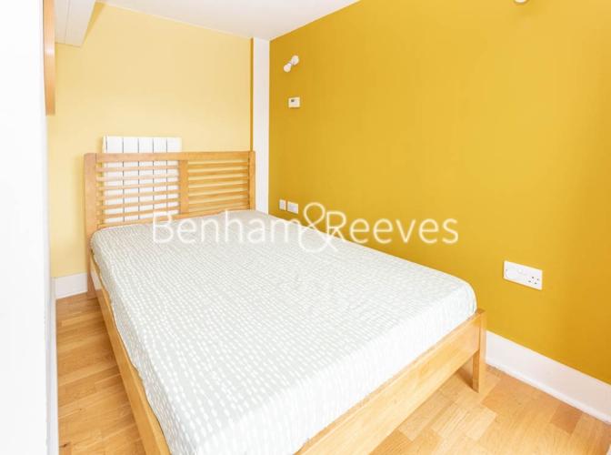 1 bedroom(s) flat to rent in Cadogan Road, Royal Arsenal Riverside, SE18-image 3