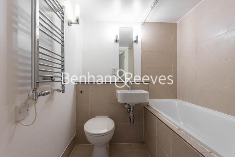 1 bedroom(s) flat to rent in Cadogan Road, Royal Arsenal Riverside, SE18-image 4