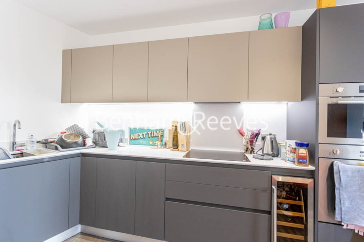 1 bedroom(s) flat to rent in 107 Woolwich High Street, Woolwich, SE18-image 2