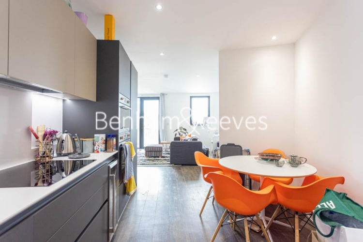 1 bedroom(s) flat to rent in 107 Woolwich High Street, Woolwich, SE18-image 13