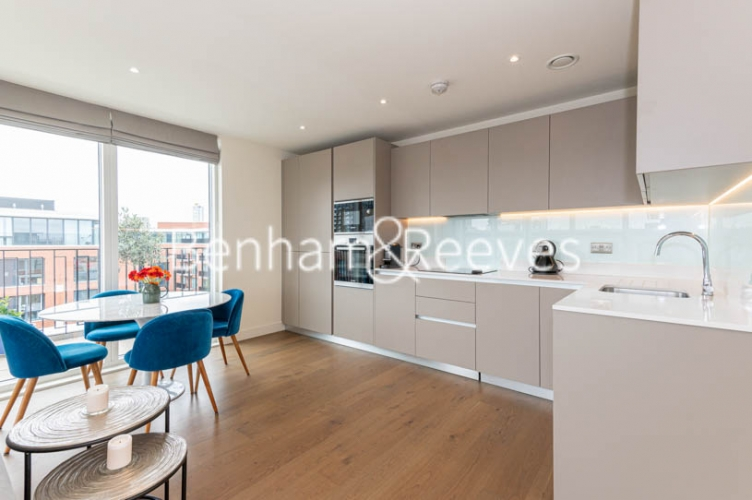 2 bedroom(s) flat to rent in Royal Arsenal Riverside, Woolwich, SE18-image 2