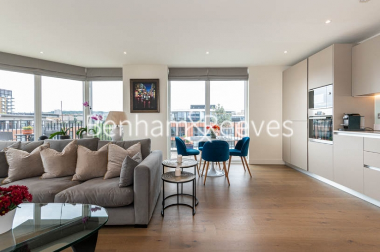 2 bedroom(s) flat to rent in Royal Arsenal Riverside, Woolwich, SE18-image 7