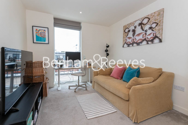 2 bedroom(s) flat to rent in Royal Arsenal Riverside, Woolwich, SE18-image 18