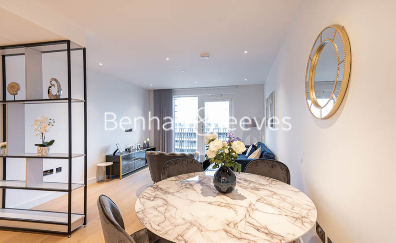 2 bedroom(s) flat to rent in Belvedere Row, White City W12-image 3