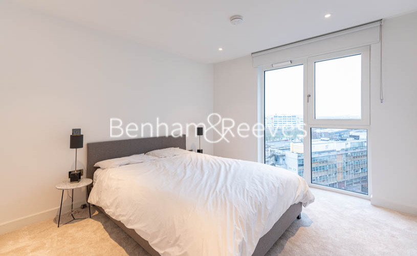 2 bedroom(s) flat to rent in Lincoln Apartments, White City W12-image 3