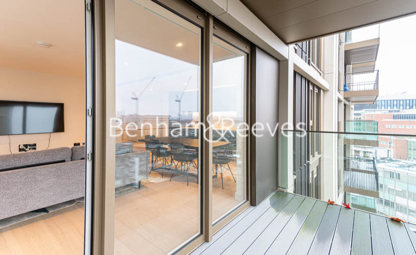 2 bedroom(s) flat to rent in Lincoln Apartments, White City W12-image 6