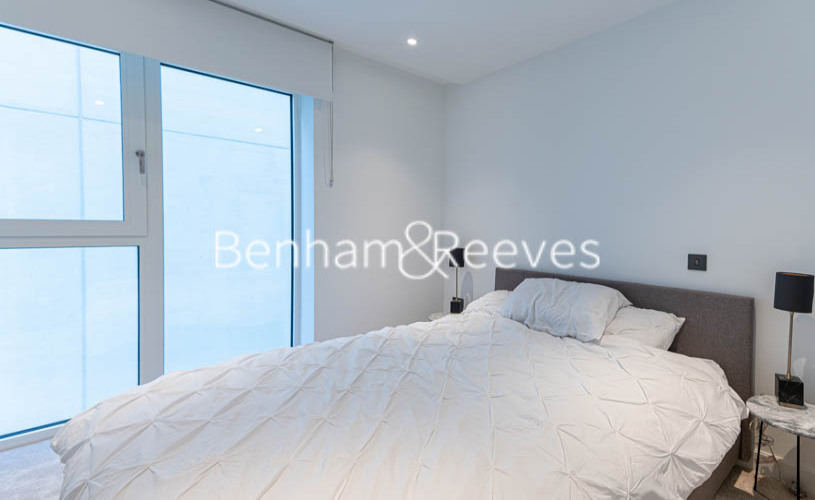 2 bedroom(s) flat to rent in Lincoln Apartments, White City W12-image 9