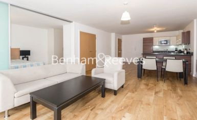 1 bedroom(s) flat to rent in Park Lodge Avenue, West Drayton, UB7-image 1