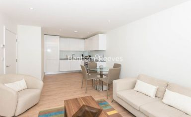1 bedroom(s) flat to rent in Havilland Mews, Shepherds Bush, W12-image 2