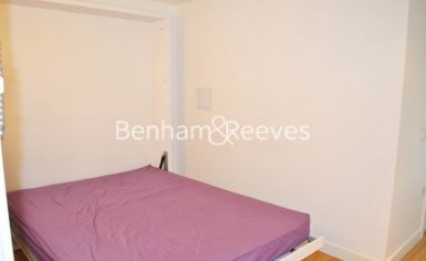 Studio flat to rent in Station Approach, Hayes, UB3-image 3