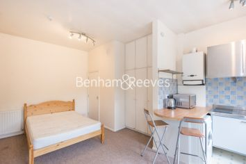 Studio flat to rent in Madeley Road, Ealing, W5-image 2