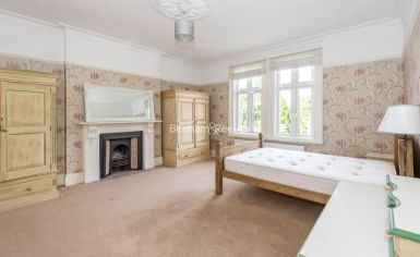2 bedroom(s) flat to rent in Madeley Road, Ealing, W5-image 4