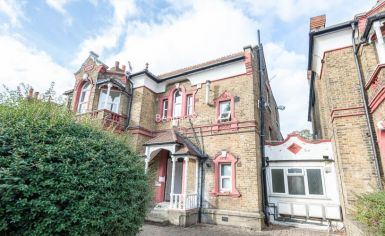 2 bedroom(s) flat to rent in Madeley Road, Ealing, W5-image 8