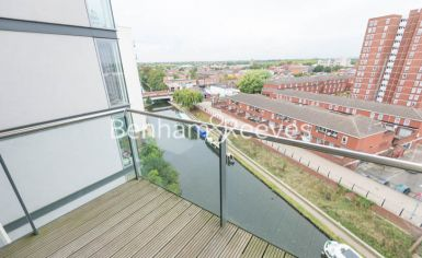 2 bedroom(s) flat to rent in Station Approach, Hayes, UB3-image 5