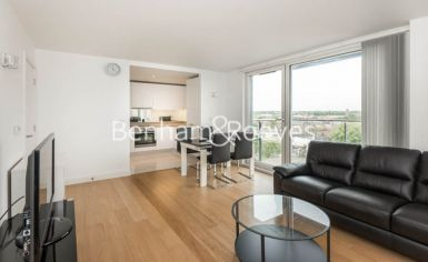 2 bedroom(s) flat to rent in Station Approach, Hayes, UB3-image 6