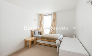 2 bedroom(s) flat to rent in Station Approach, Hayes, UB3-image 7