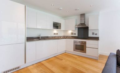 2 bedroom(s) flat to rent in Uxbridge Road, Ealing, W5-image 3